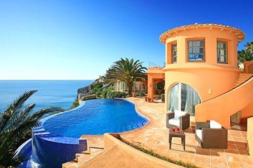 Вилла в Испании на берегу моря