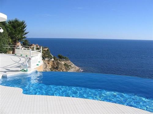 Дом в Испании у моря